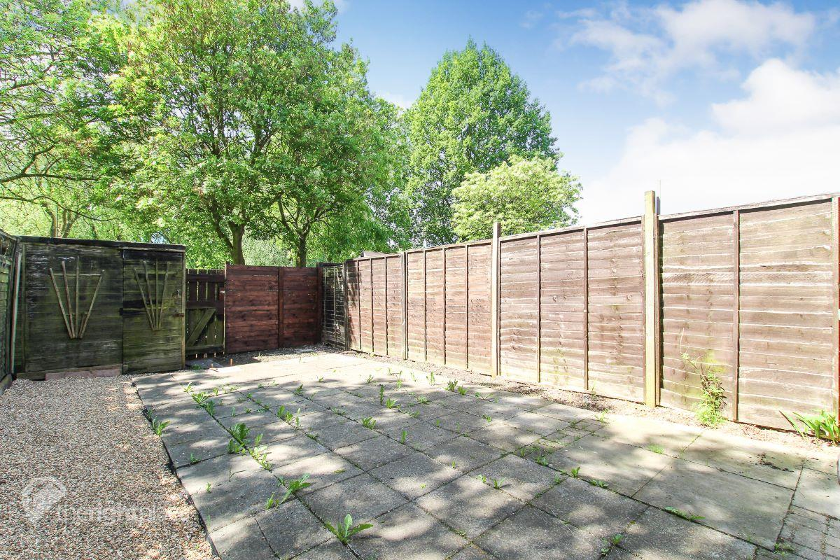 Low Maintenance Private Garden