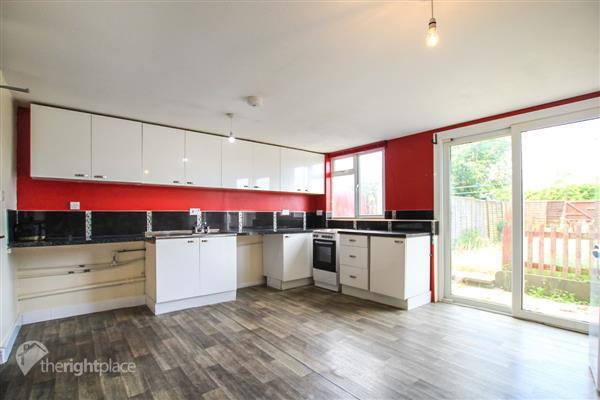 Large Kitchen / Diner